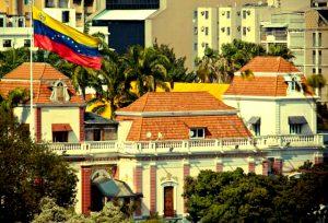 como-ha-crecido-el-poder-ejecutivo-en-venezuela-entre-1998-2015-por-anabella-abadi-y-carlos-garcia-640