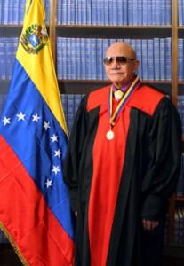 Héctor-Manuel-Coronado-Flores-207x300