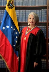 Isbelia-Pérez-Velásquez-207x300