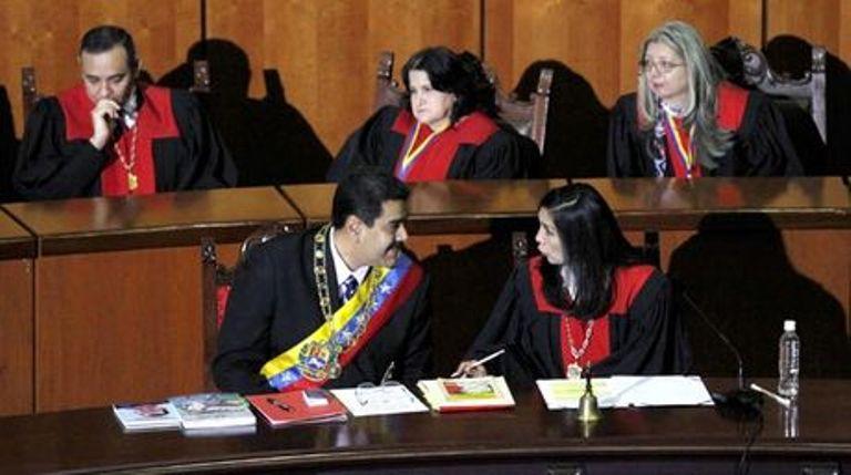 nicolas_maduro-tsj-tribunal_supremo_nacima20160514_0039_6